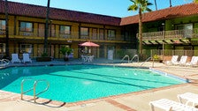 """Pool at GuestHouse International Hotel from """"National Lampoon's Vacation"""""""